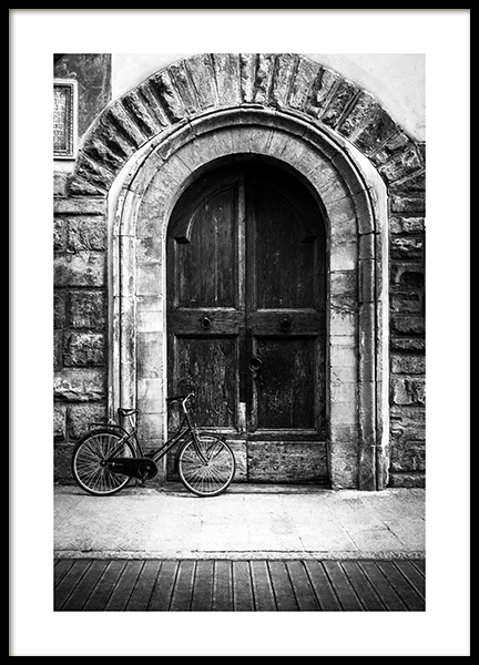 Bike and Arched Door Plakat i gruppen Plakater / Svarthvitt hos Desenio AB (13263)